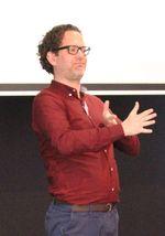 Martijn Kamphuis, Tolkcontact