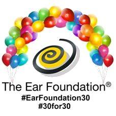 logo van The Ear Foundation met een band van balonnen
